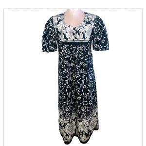 Vintage Phases Floral Black/White Mumu